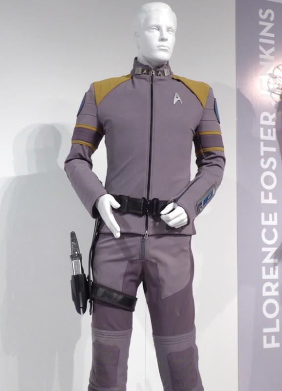 Star Trek Beyond Captain Kirk Starfleet Command uniform