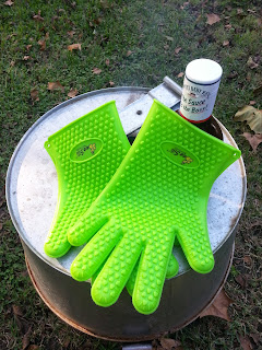 http://ramblingsofcassie.blogspot.com/2014/10/silicone-bbq-grill-oven-gloves-basting.html