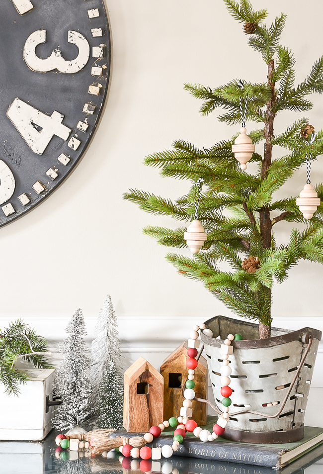 DIY wood Scandinavian Christmas ornaments