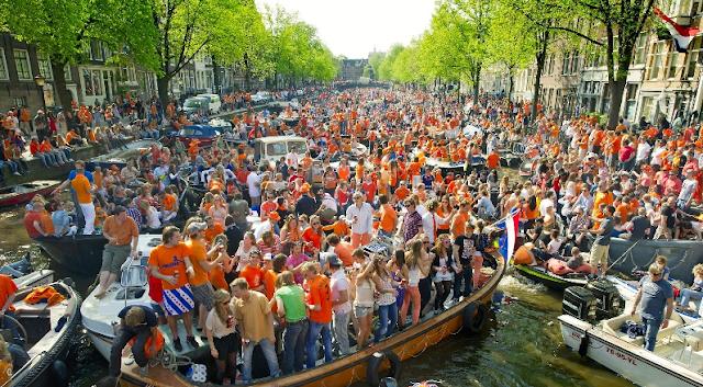 Dia do Rei em abril em Amsterdã