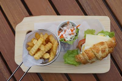 Pulled Sandwich Terasky Transera Hotel