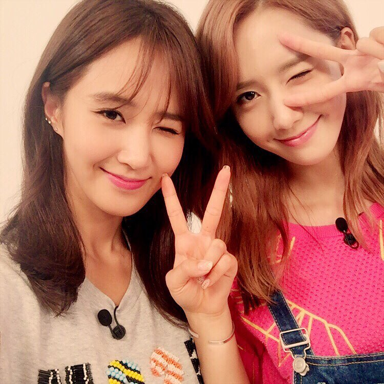 snsds yoona and yuri posed for a cute selca picture