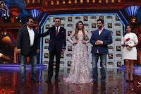 Raveena Tandon, Arshad Warsi and Boman Irani at the Launch Of New Show Sabse Bada Kalakar (1).JPG