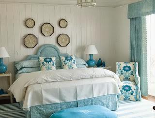 Dormitorio en turquesa y blanco