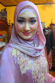yaitu model jilbab yang dikenakan kaum wanita pemakai kebaya Model Jilbab Kebaya Untuk Idul Fitri 2018