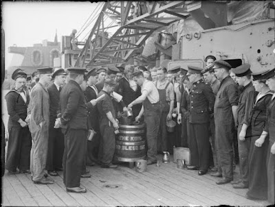 http://www.drinkingcup.net/wp-content/uploads/The_Royal_Navy_during_the_Second_World_War_A103-C-Imperial-War-Museum.jpg