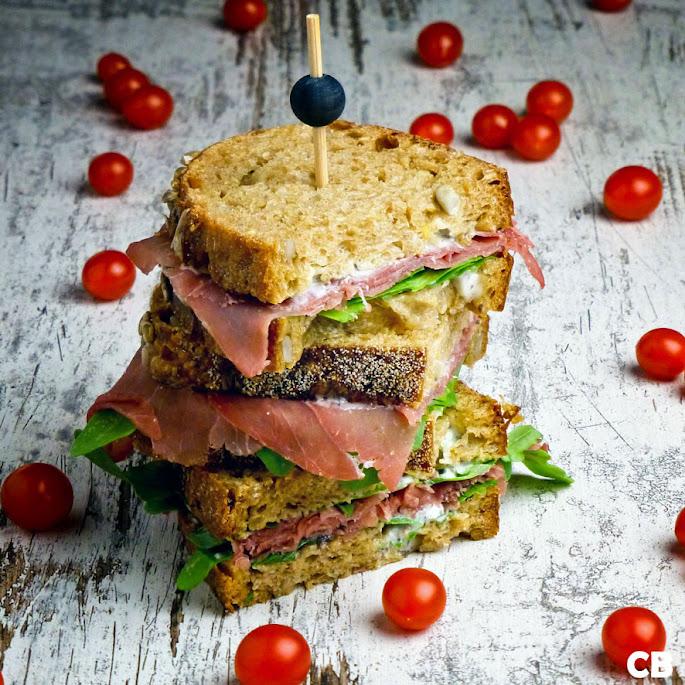 Sandwiches met Italiaanse bresaola en truffelmayonaise