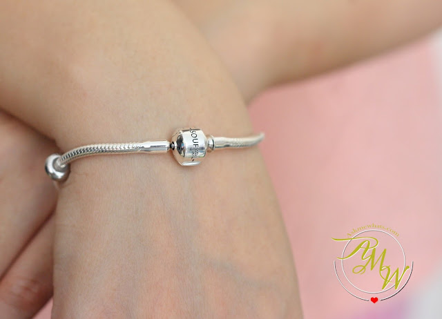 a photo of Soufeel bracelet with stopper