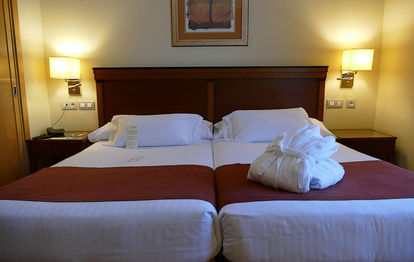 hotel becquer sevilla