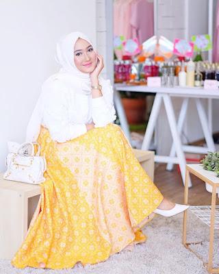 fashion blogger berhijab hijabers muslimah indonesia cakep populer sukses desainer designer ngehits instagram vlogger kekinian outfit of the day ootd tips pakaian busana cantik kecantikan inspirasi referensi