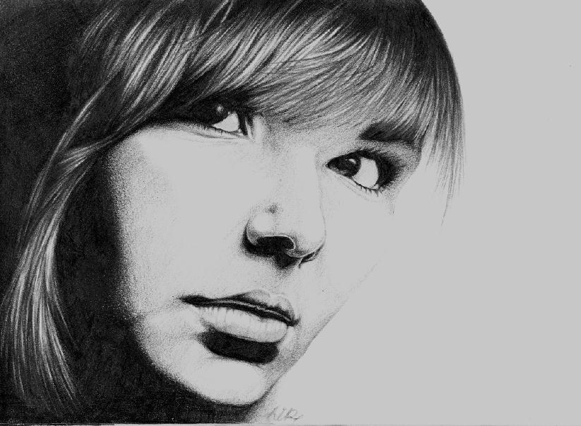 08-Five-Lukasz-Koniuszy-Black-and-White-Portrait-Drawings-in-Pencil-www-designstack-co