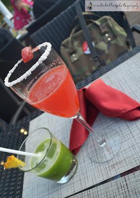 Minuman favoritku yang warna ijo, walaupun yang merah itu juga seger banget karena ada rasa guava,dan watermelon didalamnya. (Dok.Pri)