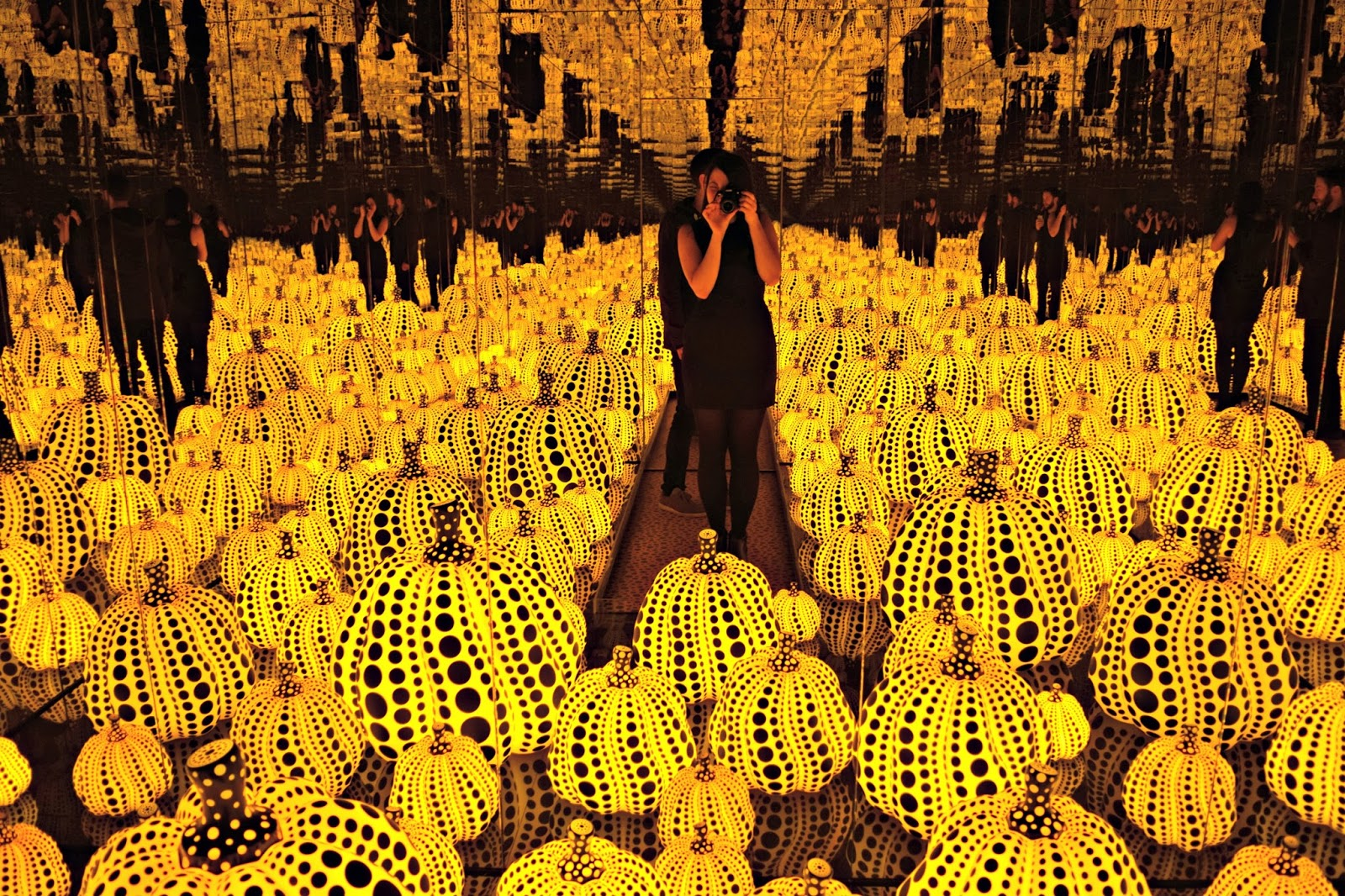Yayoi Kusama mirror room all the eternal love I have for the pumkins