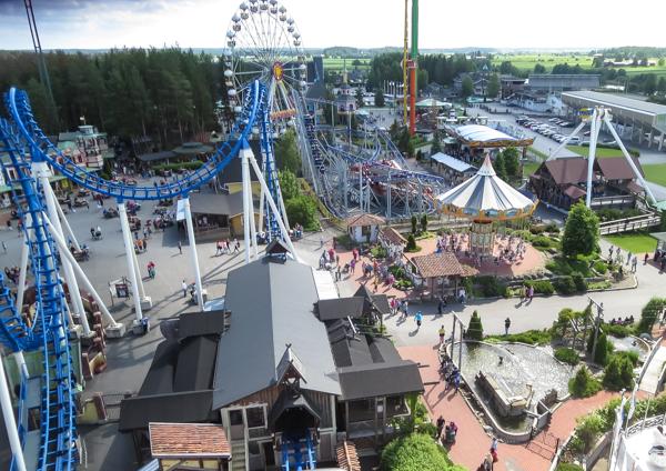 PauMau blogi nelkytplusbloggari nelkytplus nelkytplusblogit powerpark alahärmä huvipuisto cobra näkymä huvipuistoon