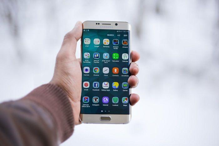 tampilan antarmuka smartphone