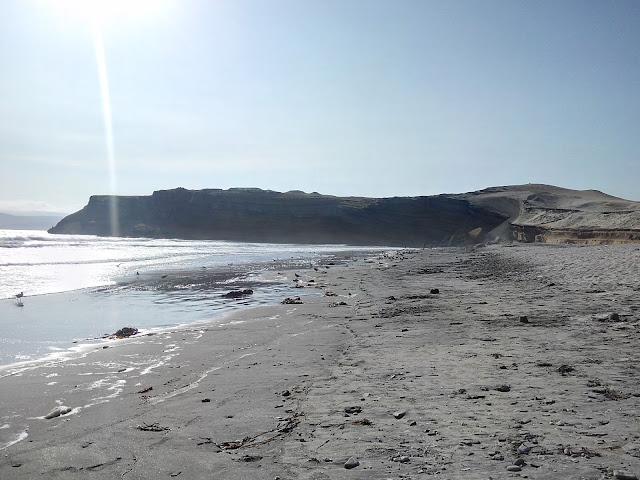 Playa de Yumaque, desierto de Paracas