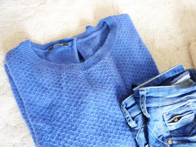 Pull et jean bleu électrique Promod