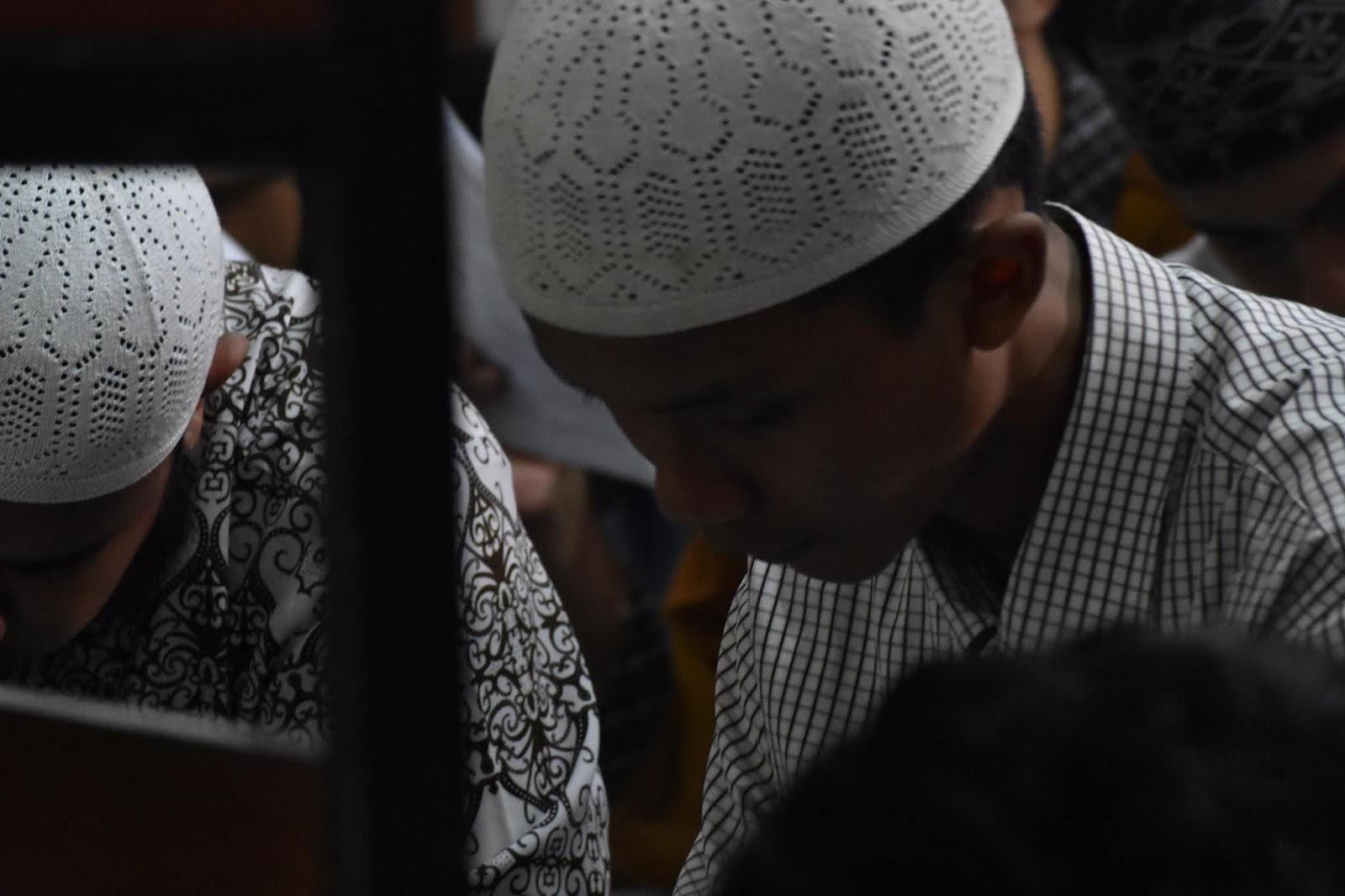 Anak yang Ditelantarkan Itu Hadiahkan Hafalan An-Naba' untuk Ayah yang Sibuk