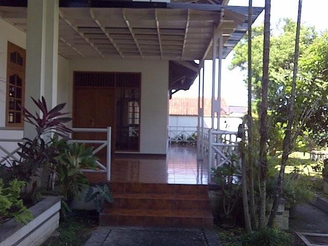 RUMAH UTAMA, Rumah besar di Jalan Gejayan