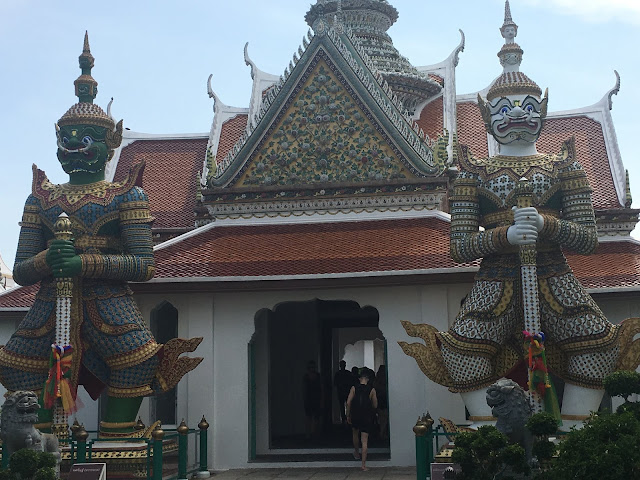 Wat Arun entrance