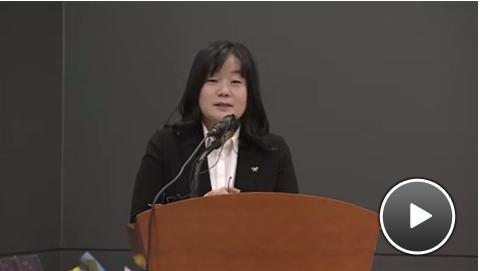元慰安婦支援団体「駐韓大使が像に花を」