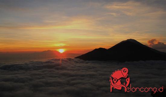 Melancong.id - Puncak Gunung Batur Surga Bagi Pemburu Sunrise