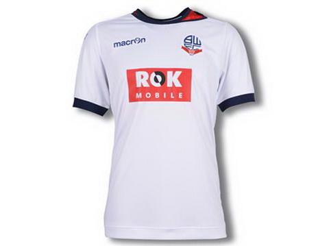 La camisetas de futbol Bolton de predominantemente blanco d68a4b75b745e