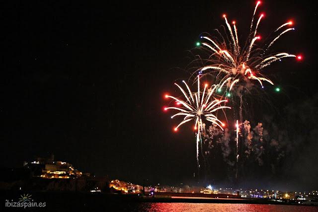 Fuegos artificiales de Ibiza el 8 de Agosto, fiesta de Sant Ciriac