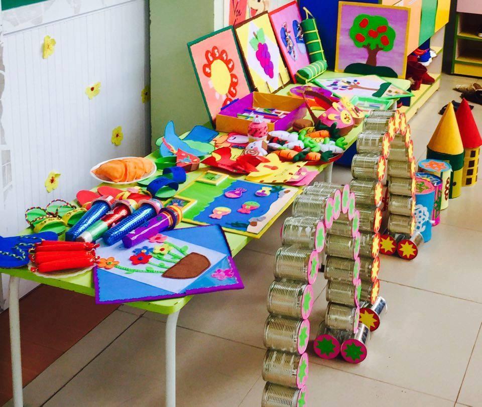 làm đồ dùng đồ chơi tự tạo mầm non