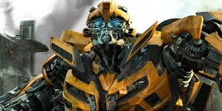 bumblebee: nueva imagen del spin-off con el clasico escarabajo amarillo