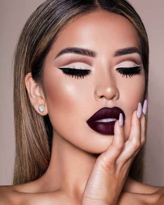Burgundy Lipstick Matte Makeup Ideas to Try This Season
