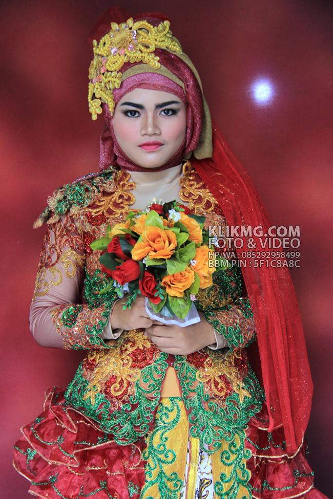 Simple Hijab Merah Marun Oleh SUS Wedding Rias Pengantin Purwokerto | Foto oleh KLIKMG.COM - Fotografer Pengantin Purwokerto