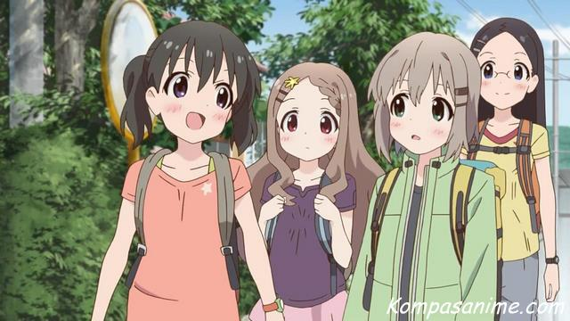 Anime santai seperti Yuru Camp yang pertama adalah Yama no Susume