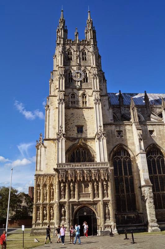 puerta acceso Catedral de Canterbury