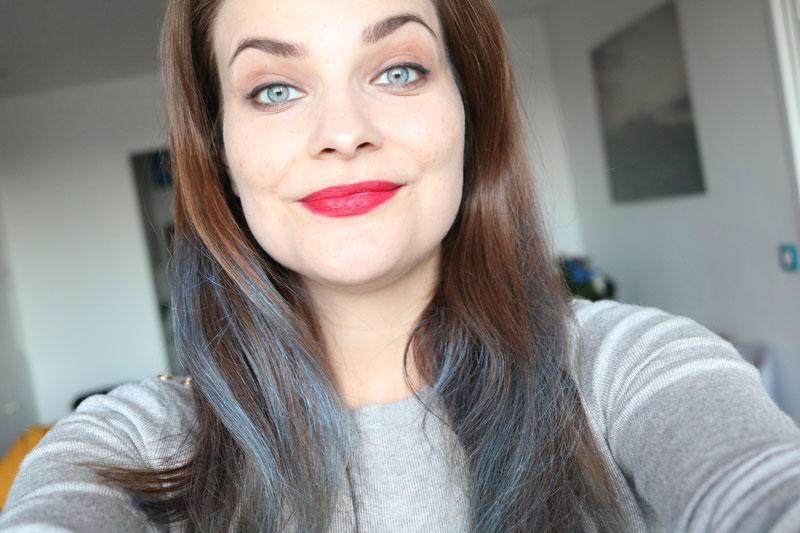Cheveux gris tres secs