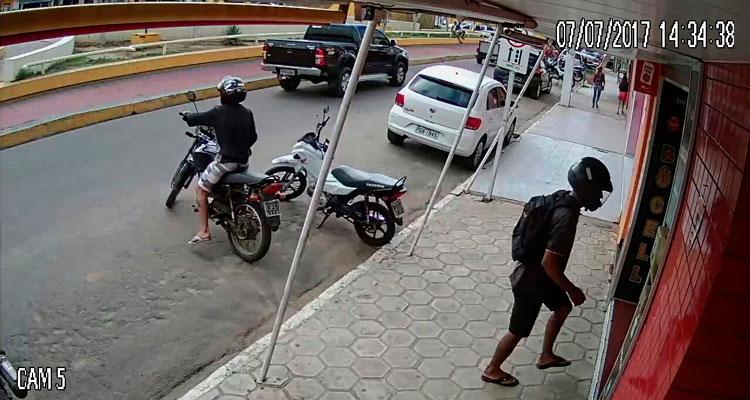 Imagem da câmara de segurança da loja