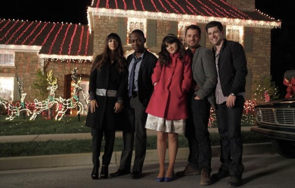 New Girl - CeCe (Hannah Simone), Winston (Lamorne Morris), Jess (Zooey Deschanel), Nick (Jake M. Johnson), and Schmidth (Max Greenfield) stand on street in front of house lit with Christmas lights