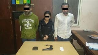 ضبط 3 أشخاص بتهمة سرقة مواطن بالإكراه
