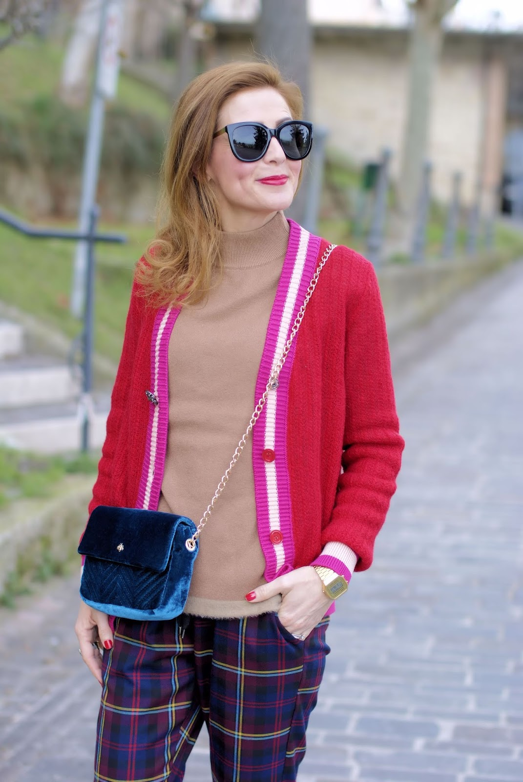 How to wear a Preppy college style outfit on Fashion and Cookies fashion blog, fashion blogger style