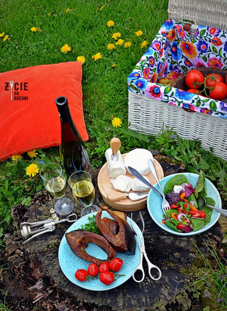 piknik, piknik na trawie, karp wedzony, jak wedzic karpia, karp wedzony, jak wedzic karpia, wedzenie pstraga, wedzenie karpia, wedzenie makreli, domowe wedzenie, jak wedzic ryby, sposoby wedzenia ryb, nasalanie wedzonych ryb, solenie na sucho, solenie na mokro, blog kulinarny, zycie od kuchni, blog zycie od kuchni