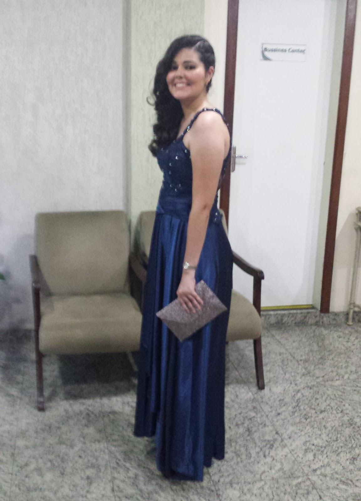 Maquiagem para madrinha de casamento vestido azul bic