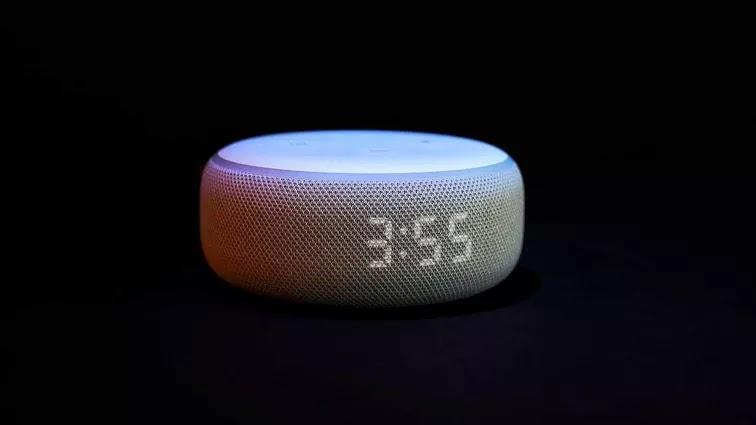 Echo Dot smart speaker with clock (3rd gen)