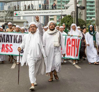 Aangirfan trump isis rizieq porn sexual abuse rizieq boss of the fpi which is linked to isis reheart Image collections