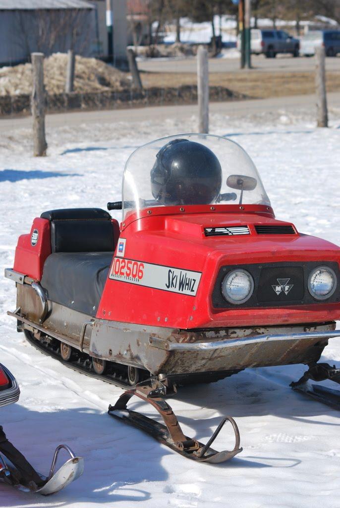 Daves Vintage Snowmobiles 97