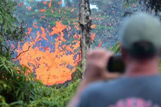 Novas fendas se abrem perto de vulcão no Havaí
