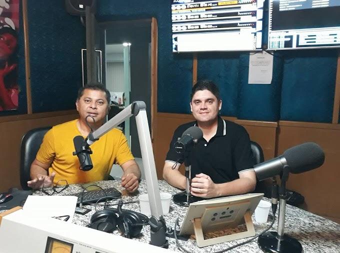 Programa 'Ponto e Vírgula' será retransmitido em Caxias a partir desta segunda-feira(26)