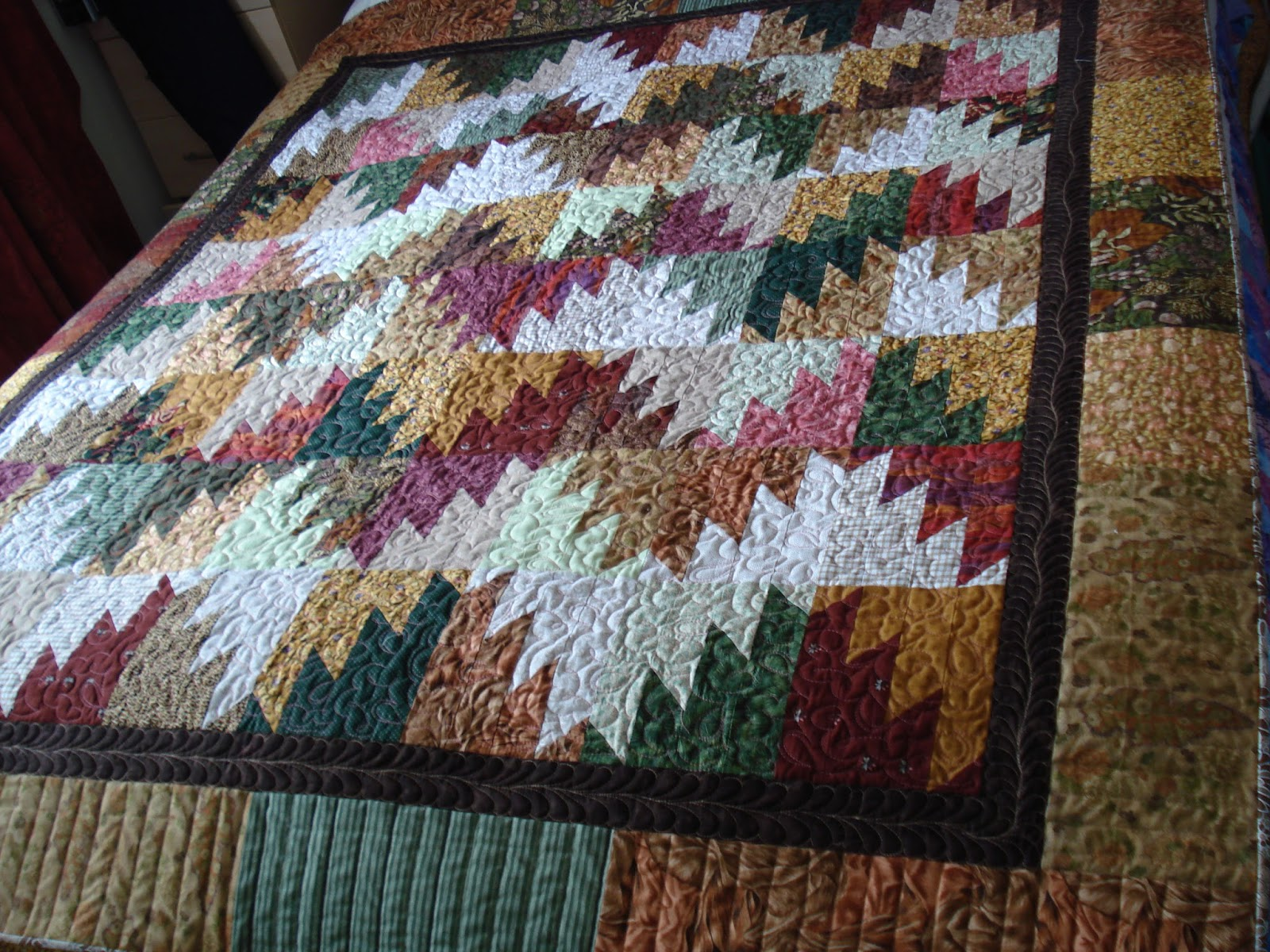 The Nifty Stitcher Scrappy Mountain Majesties Quilt