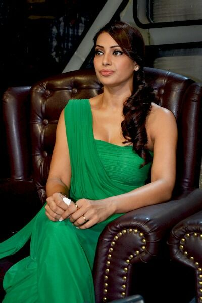 Bipasha Basu Latest Cute Stills In Green Dress