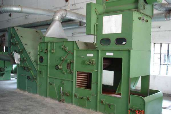 Step cleaner or ultra cleaner machine used in textile