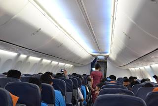 udah rapi didalam pesawat Lion Air siap untuk terbang